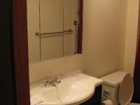 handicappedaccessible-bathroom2