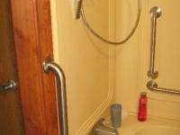 handicappedaccessible-bathroom3