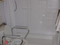 handicappedaccessible-bathroom7
